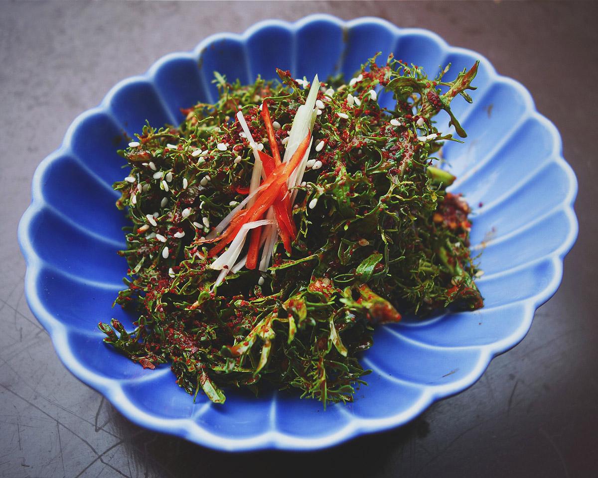Koreańska sałatka z musztardowca