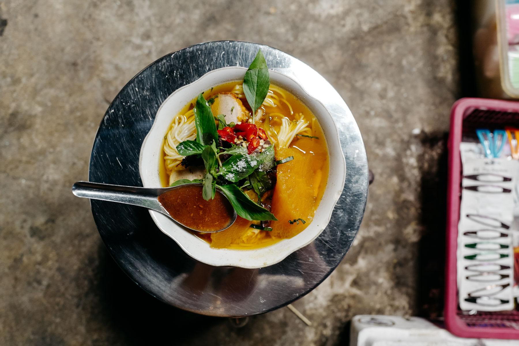 Zupa wołowa z dynią (Salor pale sach ko)