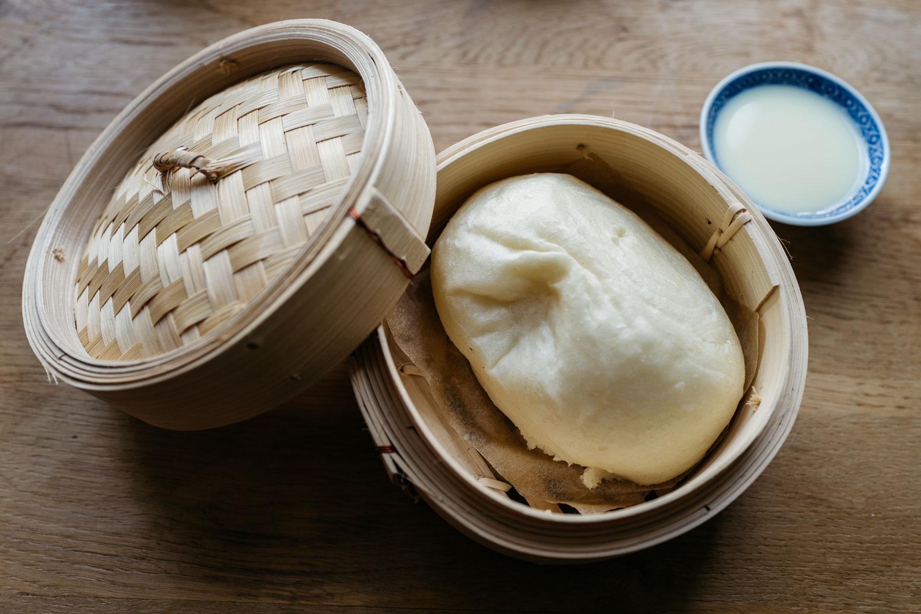 Pampuchy mantou z mlekiem skondensowanym