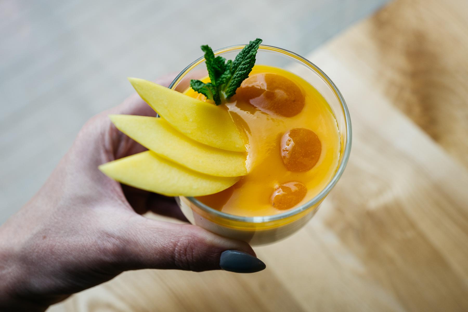 """Pudding migdałowy - mus mango"""