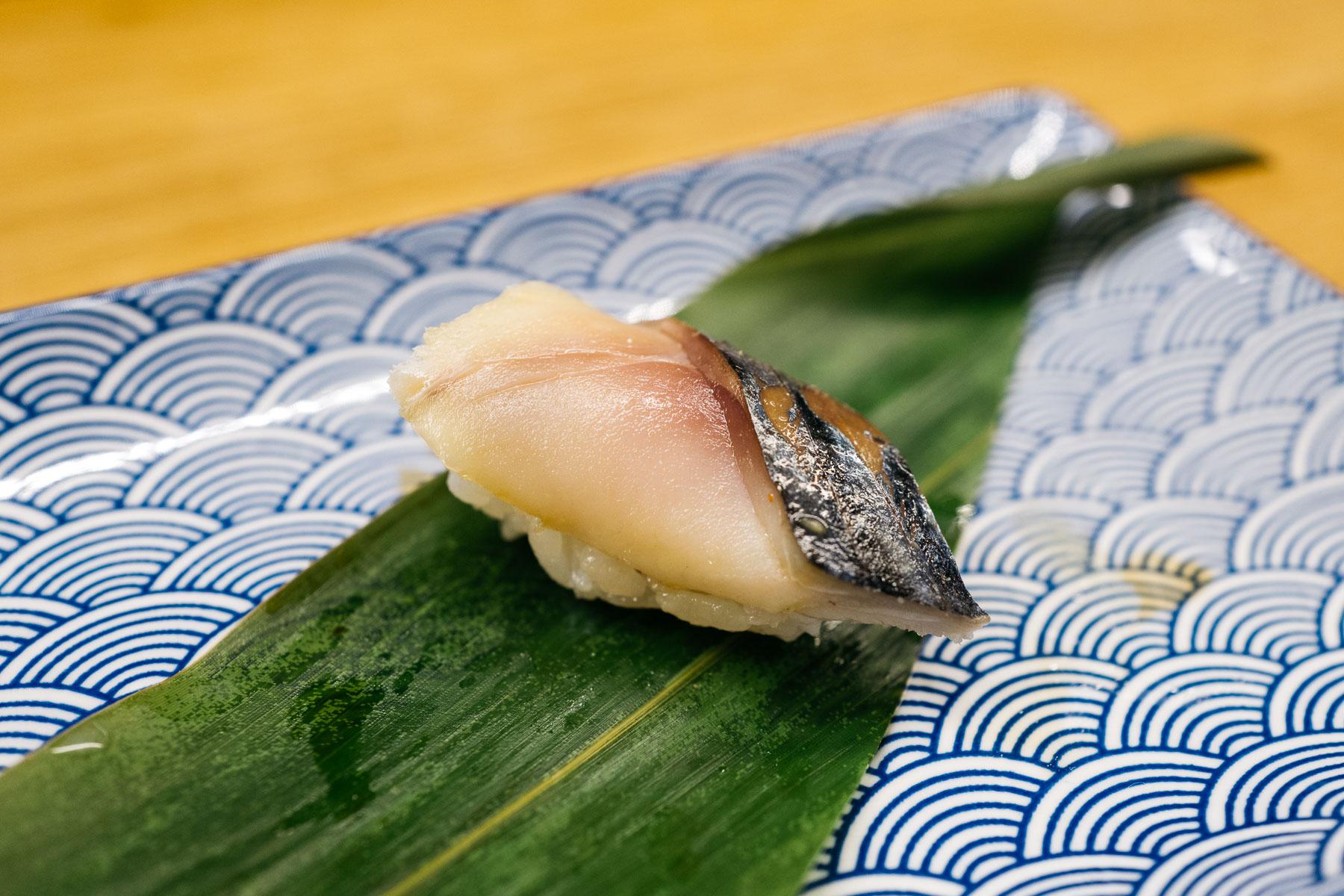 Shime saba (biała makrela marynowana w occie)