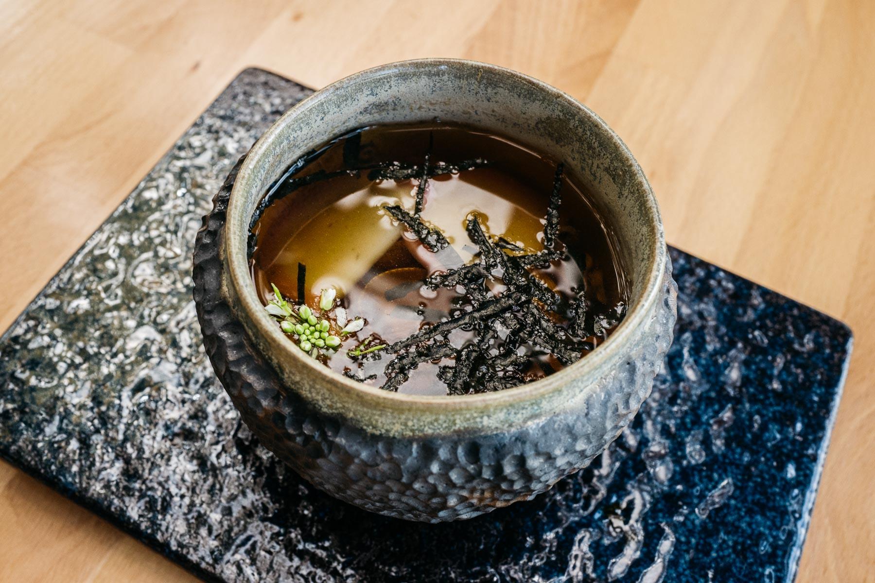hamaguri no osuimono (suimono z sercówkami)