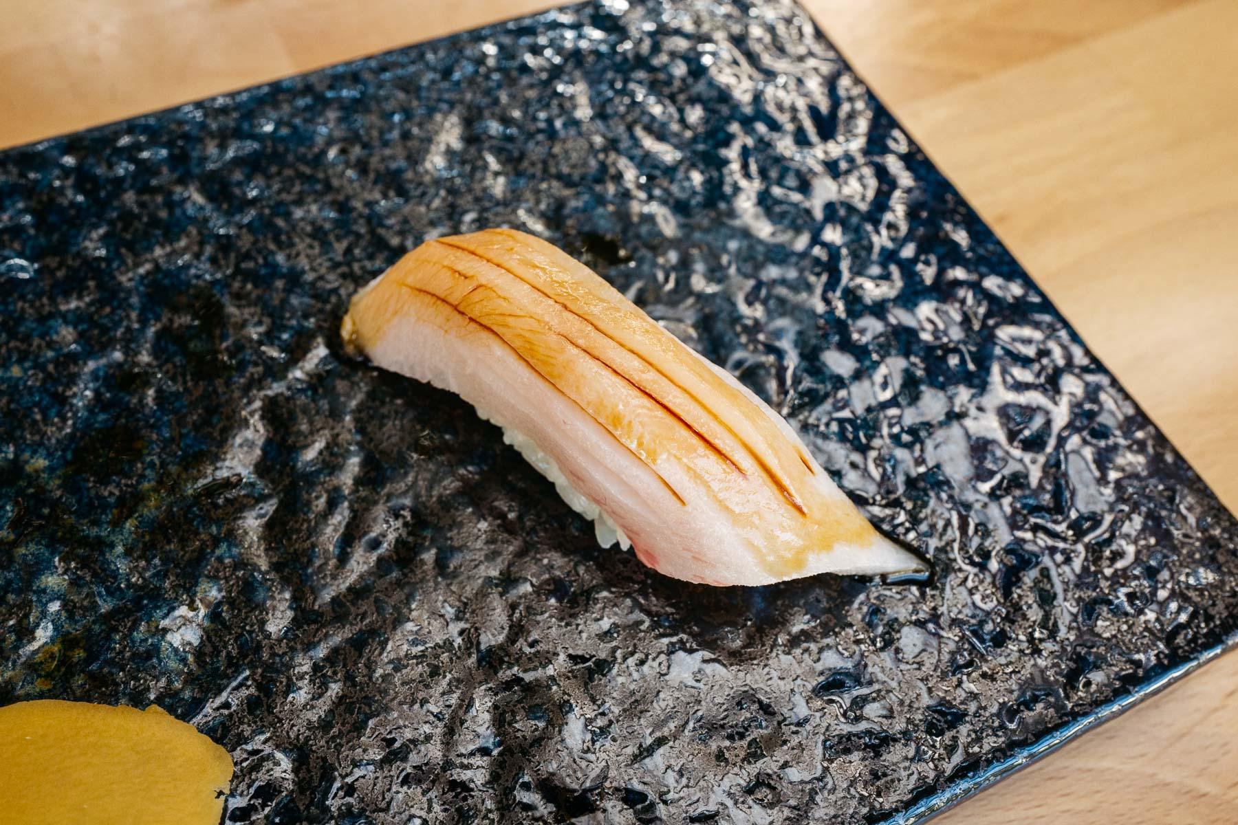 hamachi toro (seriola brzuch)