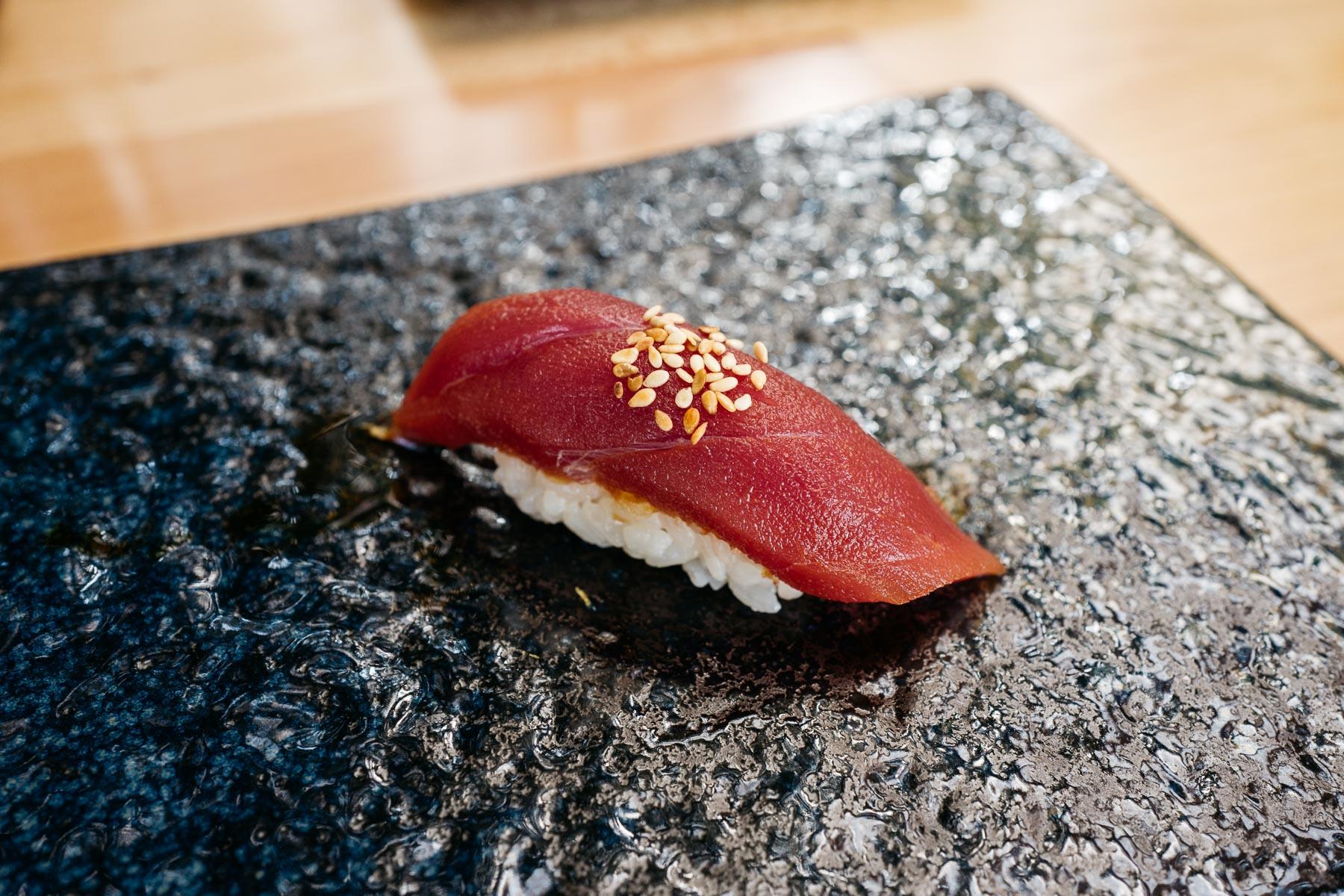 tsukmaguro (tuńczyk zamarynowany)