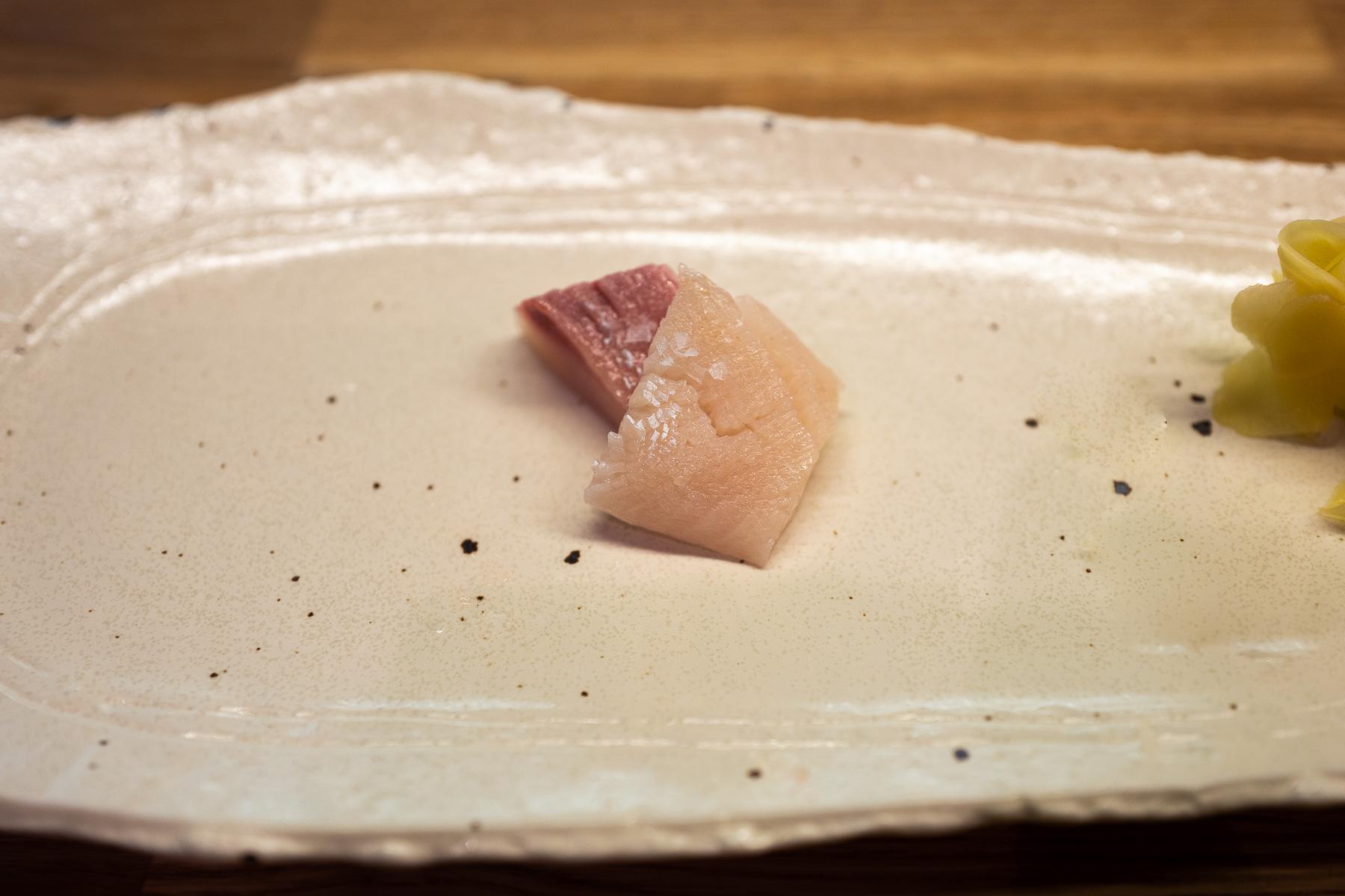 kampachi (seriola olbrzymia) z solą