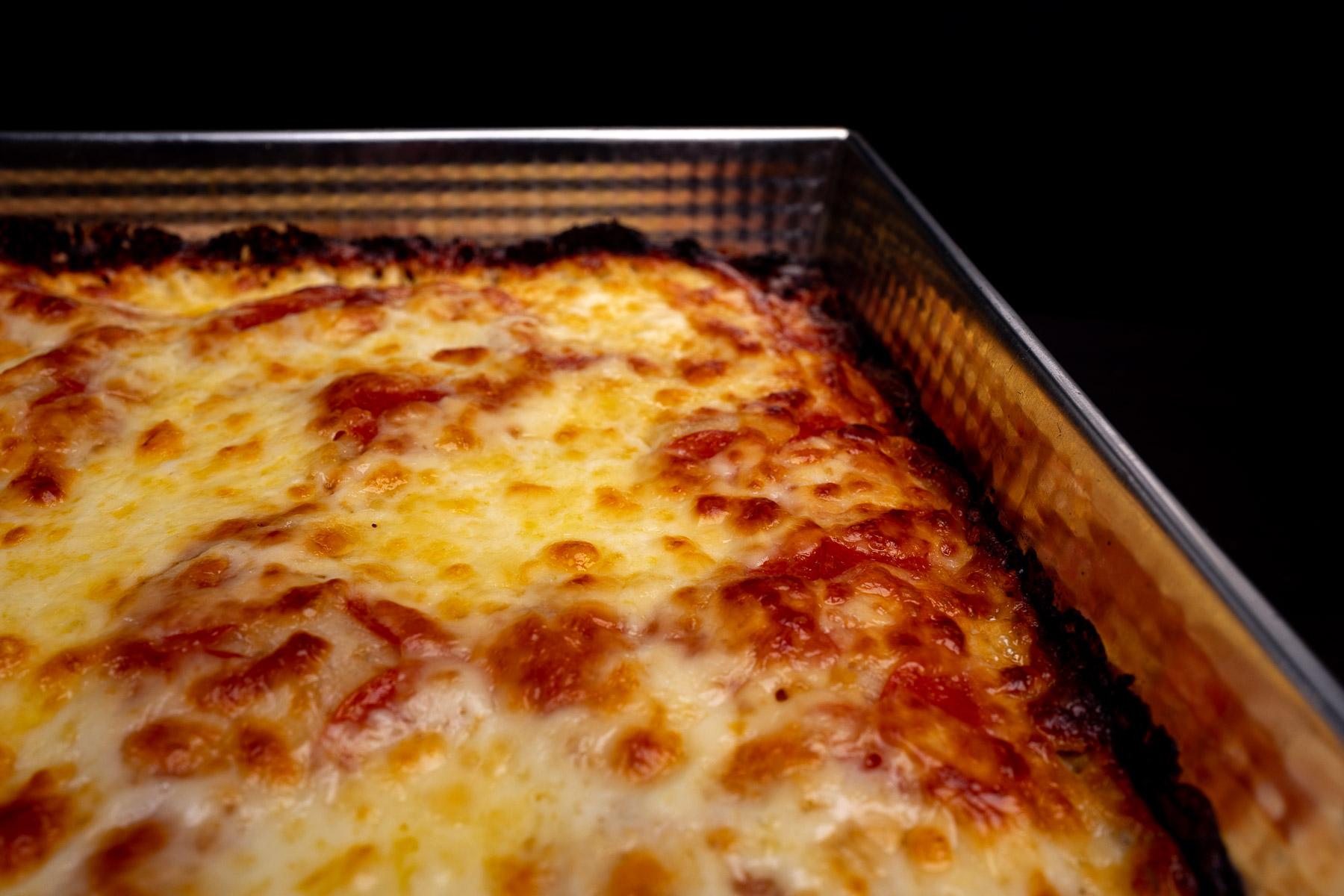 przypieczone brzegi pizzy (nie są spalone/gorzkie, takie mają być!)